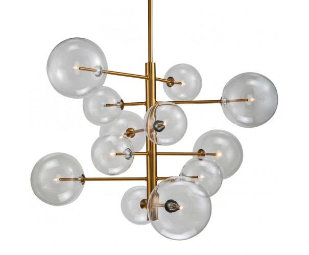 Lámpara colgante de metal dorado envejecido y bolas de cristal Foto: AGATA